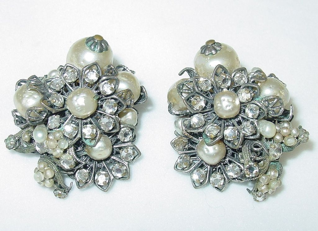 Vintage Robert De Mario Signed Faux Pearl Earrings