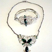 Demi Parure Stylized Butterfly Emerald Rhinestone Necklace Bracelet  Set