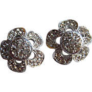 Vintage Weiss Flower Floral Crystal Rhinestone Clip Earrings