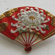 Vintage Japan Toshikane Arita Fan Chrysanthemum Gold Overlay Porcelain Brooch Pin