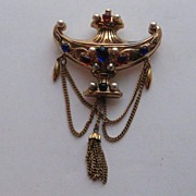 Vintage Early CORO Jeweled Aladdin's Mogul Lamp MINT Pin Brooch Signed