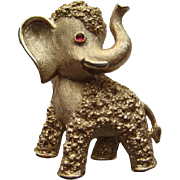Vintage Trifari Elephant GOP Gold Tone Realistic Pin Brooch