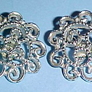 Signed Sarah Coventry SILVERY MIST Clip Earrings Silver-tone