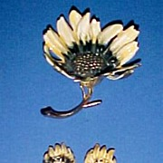 Signed BSK Sunflower Demi Parure Brooch & Clip Earrings