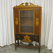 Vintage Art Deco Style China Curio Cabinet Hutch 1930�s Very Nice Condition