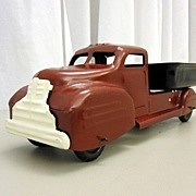 Nice Lincoln Toys Canada Dump Truck From 30's or 40's