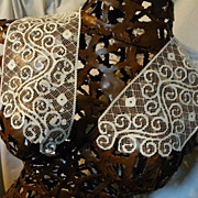 SOLD Vintage Net Lace Collar with Art Deco Design Swirls and Dots
