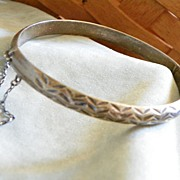 SALE Mexican Cut Silver Bangle Bracelet with Hinge and Chain