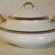 REDUCED Pope Gosser round covered Sugar Bowl with handles
