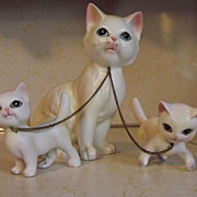 REDUCED Mid Century Lipper & Mann White Cat & Kittens Porcelain Made in Japan