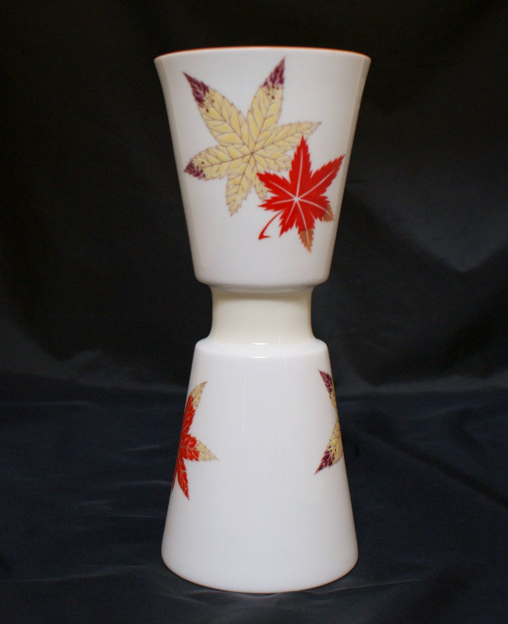 Noritake Nippon Toki Kaisha 1940's Fall Maple Leaf Decorated Vase