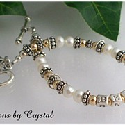 Custom Made Mothers Name Bracelet ***Mothers' Pearls***
