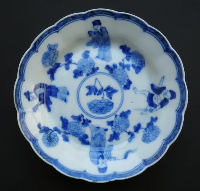 blue white dish