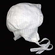 "Antique white windowpane child or woman's bonnet  18"" circ."
