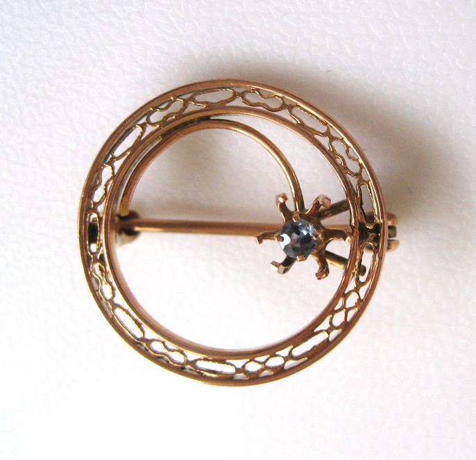 10K Yellow Gold Filigree Sapphire Brooch/Pin