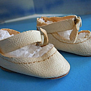 "1950's Vintage White Oil Cloth Center Snap Shoes for 14"" Mary Hoyer & Others"