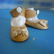 "1950's Mary Hoyer Beige Dress Shoes for 14"" Hard Plastic Doll"