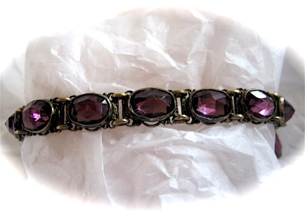 1930's Elegant and Unusual Link Bracelet