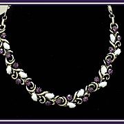 SALE Dainty Attractive Lisner Necklace with Rhinestones and Art Glass