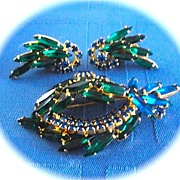 SALE Vintage Gold Tone Sapphire Blue Emerald Green Rhinestone Brooch/Pin Earrings Demi Parure
