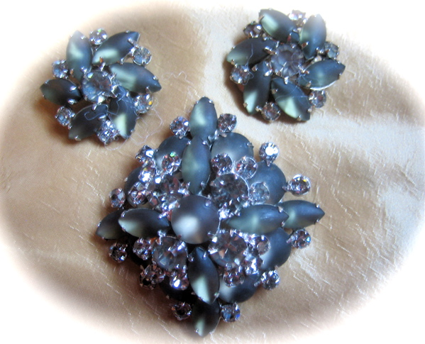 Brooch/Pin and Earrings Demi Parure with Art Glass, Aurora Borealis Rhinestones