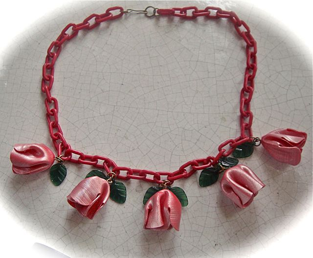 Red and Green  Celluloid  Flower Chain Necklace