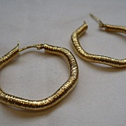 SALE Big Wrapped 14carat Vintage Earrings