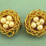 Adorable Vintage Faux Pearl Bird's Nest Clip Style Earrings