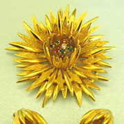 Beautiful Vintage Star Burst Flower Rhinestone Demi Parure- Brooch and Earrings