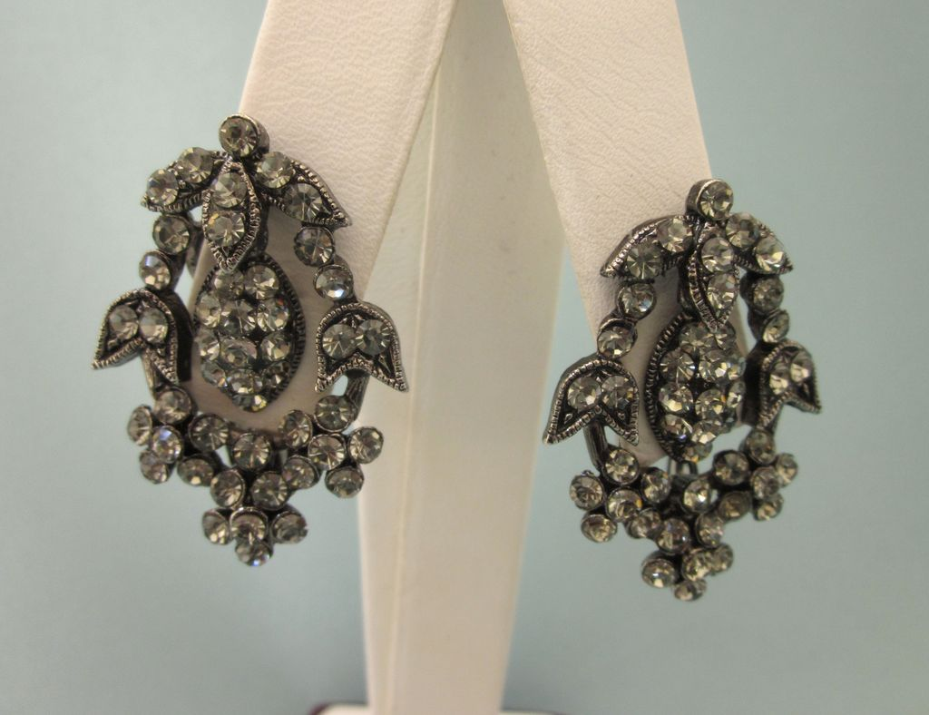 Vintage Rhinestone and Gunmetal Clip on Earrings