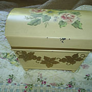 Charming hand ptd hinged box, 1940s-50s