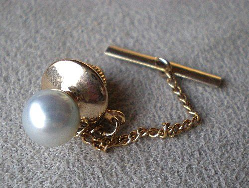 Wonderful 14k Gold w/ Pearl Tie Tac