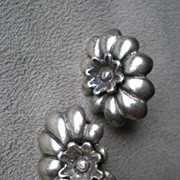Charming Pair of Sterling Silver Flower Earrings