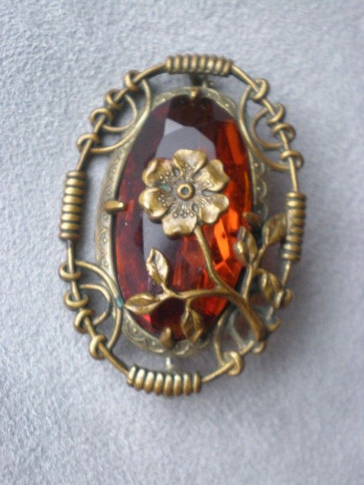 Gorgeous Victorian Flower Pin or Brooch