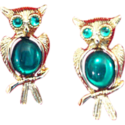 Pair of Vintage Jelly Belly Rhinestone Owl Pins