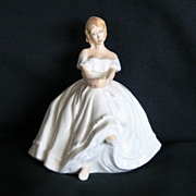 Royal Doulton Heather Pretty Lady Series Figurine HN 2956 Full Size