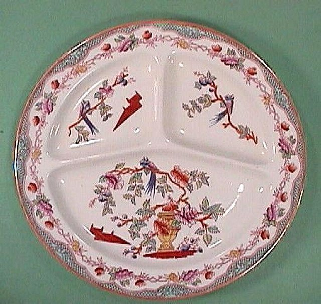 c1910 Hand Colored Chinese Parrots Grill Plate (Maestricht, Holland)