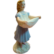 Lovely Porcelain Figurine of Lady, Royal Worcester Mark