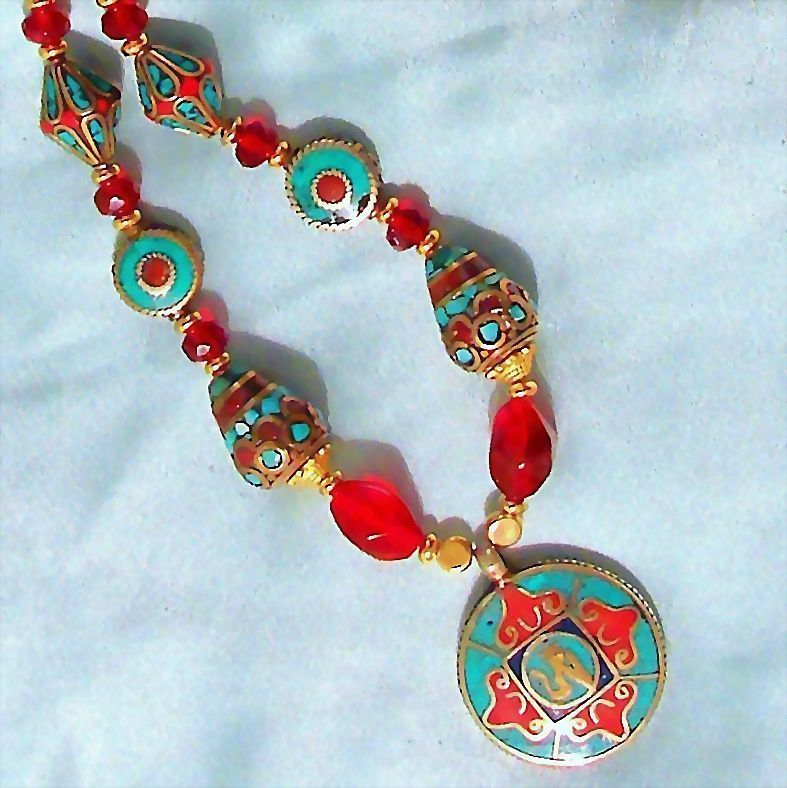 Classical Necklace with Inlaid Beads from Nepal