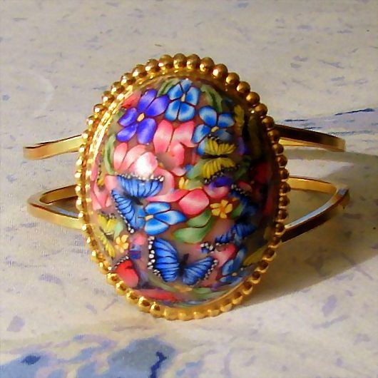 Polymer Clay Domed Gold Tone Bracelet