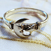 Vintage 7 Sterling Silver Moon and Star Ring