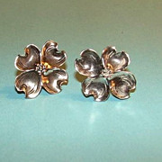 Vintage STUART NYE Sterling Silver Dogwood Flower Earrings