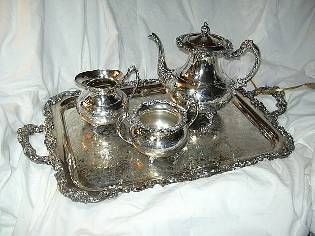 4 Pc Community Plate Fine Silver Tea Set Pot Cream Sugar & Tray
