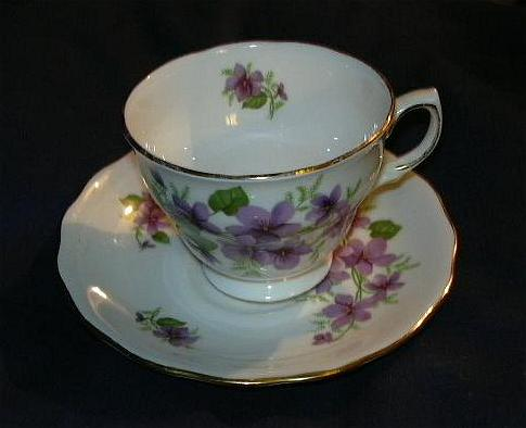 Violets Cup & Saucer Set Royal Vale Bone China England Fine Dining & Tea