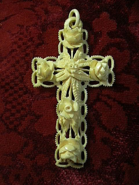 Carved Bone Victorian Antique Cross Religious Christianity