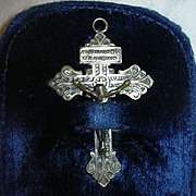 Crucifix In Velvet Lined Pouch Pocket Devotion Sacramental