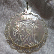 Carved MOP Mother Of Pearl Head Of Christ Medal Crown Of Thorns