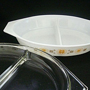 SALE Covered Town & Country Pyrex Divided 1- � Quart Server