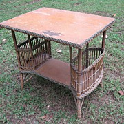 Bar Harbor Wicker Table with  Magazine Pockets