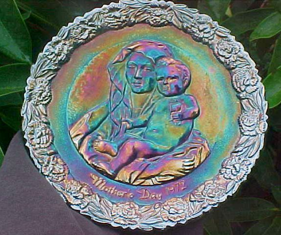 Purple Carnival Mothers Day Plate - 1972 - Fenton